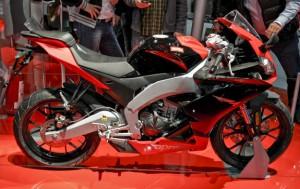 2011-Aprilia-RS4-125-3